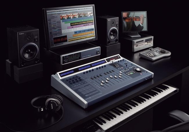 cakewalk vs 700c v studio console for sonar 8 producer synthtopia. Black Bedroom Furniture Sets. Home Design Ideas