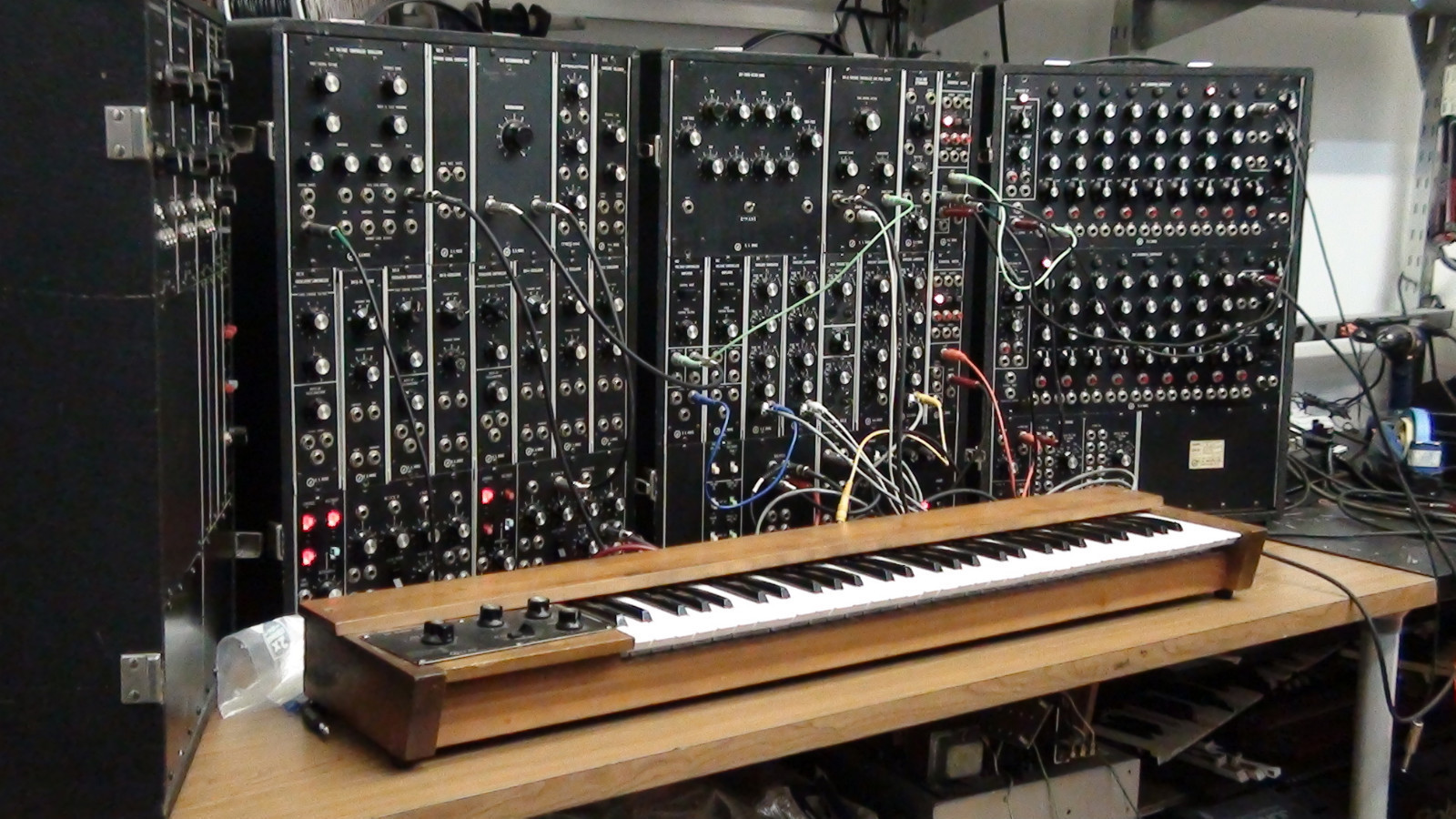 mars the bringer of war from the planets on moog modular synthtopia. Black Bedroom Furniture Sets. Home Design Ideas