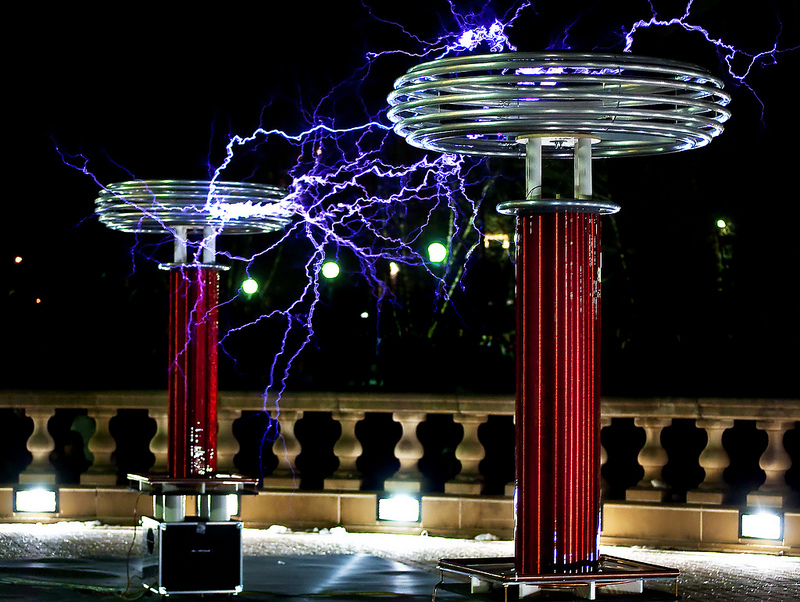 The Awesome Power Of Musical Tesla Coils » Synthtopia