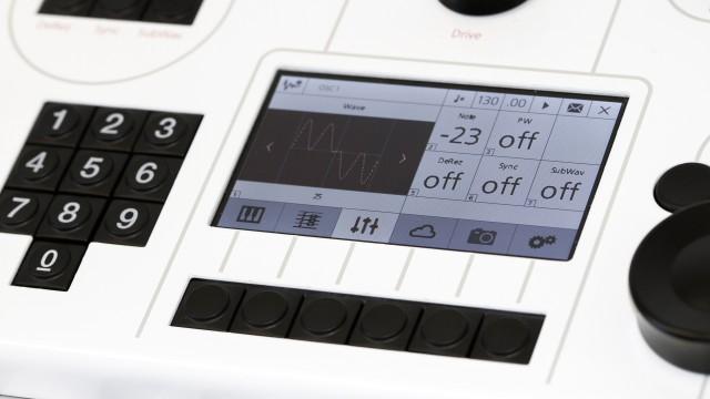 modulus-002-synthesizer-screen