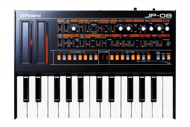 roland-jp-08-synth-front