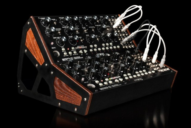Moog_Mother_32_2TierRack_Black