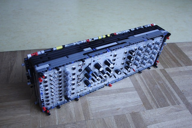 lego-eurorack-case-wide
