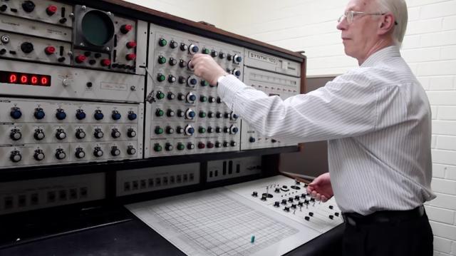 ems-synthi-100-synthesizer
