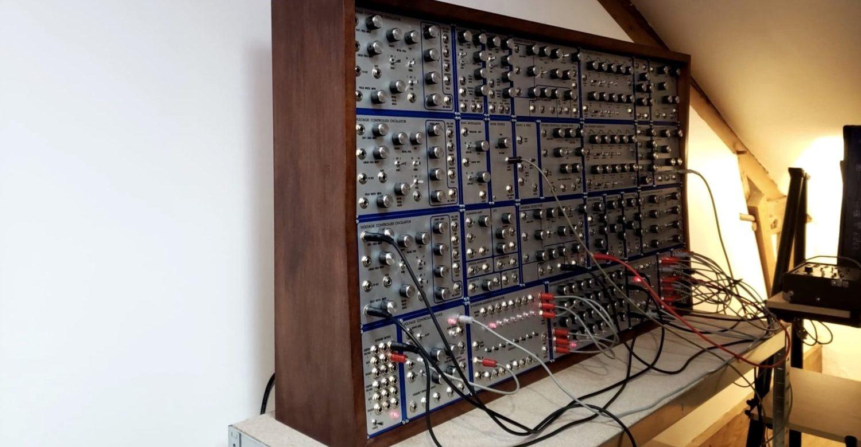 Impressive DIY E-mu Modular Synthesizer Replica